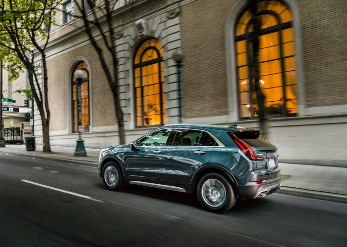 2019-Cadillac-XT4-043