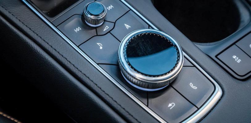 2019-Cadillac-XT4-106